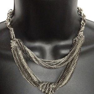 BCBGENERATION NECKLACE KNOT SILVER TONED BLACK
